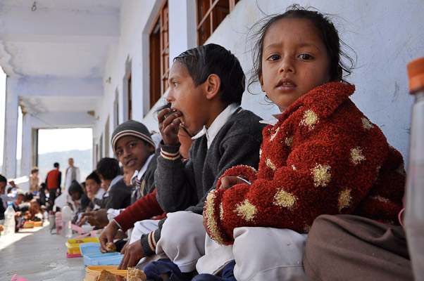 children-from-the-himalayan-school-champawat-india-14