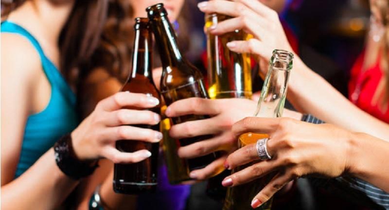 Hvad skal man lave, når man daterer en alkoholiker